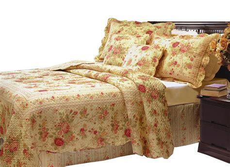 bedroom bedroom shabby chic garden floral themed quilt