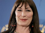 Anjelica Huston takes down Robert De Niro and Diane Keaton ...