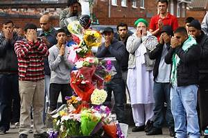In London Riots: Muslims tackle looters and bigots ...