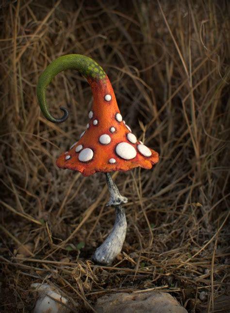 Orange Pilze Im Garten by Die Besten 25 Pilz Dekor Ideen Auf Zauberwald