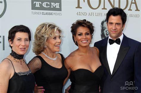 Vanessa Vadim And Jane Fonda   newhairstylesformen2014.com