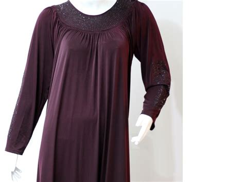 Maroon Color Abaya With Scarf Price In Pakistan (m006371
