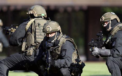 gsg 9 anti terrorism unit of the german federal police