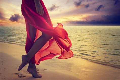Almaz 4k Wallpapers by Dress Sea Sunset