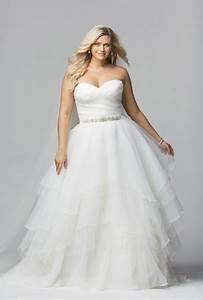 Best wedding dresses designers for plus size brides collection for Plus size wedding dress designers