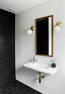 Applique Salle De Bain Noire : comment choisir le luminaire pour salle de bain ~ Teatrodelosmanantiales.com Idées de Décoration