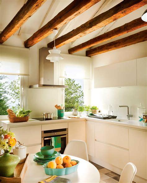 cocinas pequenas en imagenes cocina pequena blanca