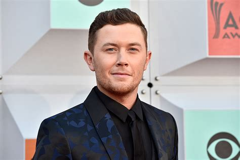 Scotty Mccreery Won't Whine In Front Of Girlfriend Gabi
