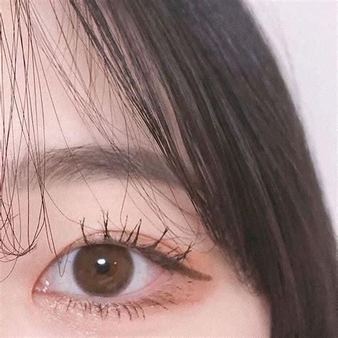 Pin by faejin . on korean makeup. in 2020   Korean eye makeup, Ulzzang korean girl, Korean makeup
