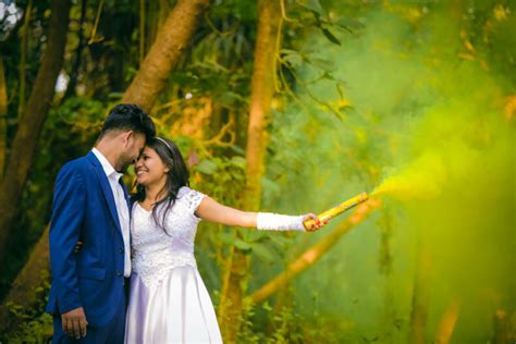 couple shoots    indian wedding photographer