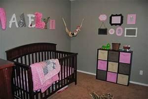 deco chambre bebe fille With déco chambre bébé pas cher avec fleurs offrir femme