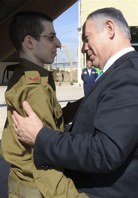 gilad shalit released  hamas   years  captivity