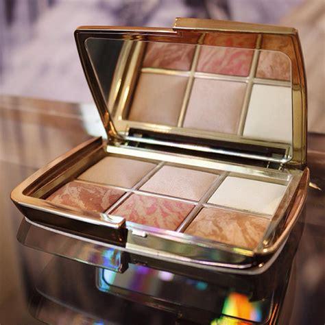hourglass ambient lighting bronzer hourglass ambient lighting blush bronzer powder palette