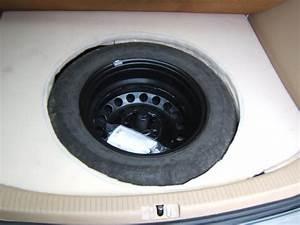 Taille Coffre 2008 : installation roue de secours taille normale en seconde monte touranpassion ~ Medecine-chirurgie-esthetiques.com Avis de Voitures