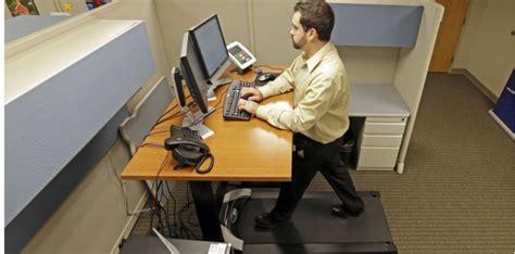 travailler debout bureau debout rester assis au bureau nuit gravement à la santé