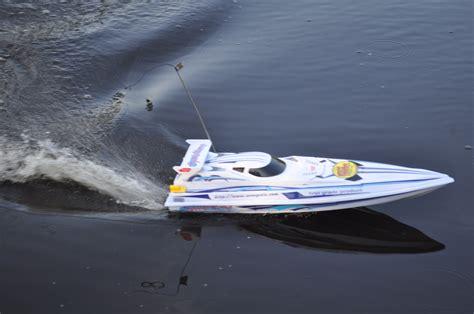 Radio Ranger Rc Fishing Boat Reviews radio ranger rc fishing boat giveaway and baby reviews