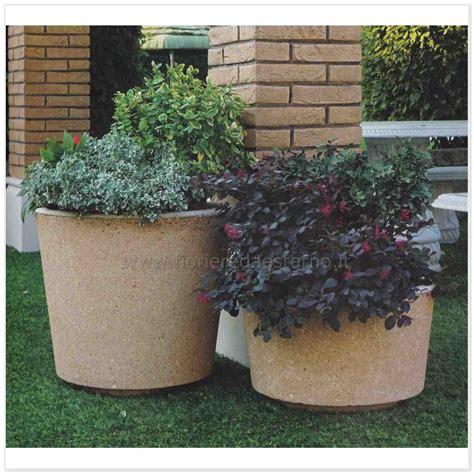 vasi in cemento da giardino vasi in cemento 540655 in lavato fioriere da esterno