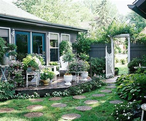 Runde Steinplatten Garten runde steinplatten im garten symmetrie garten