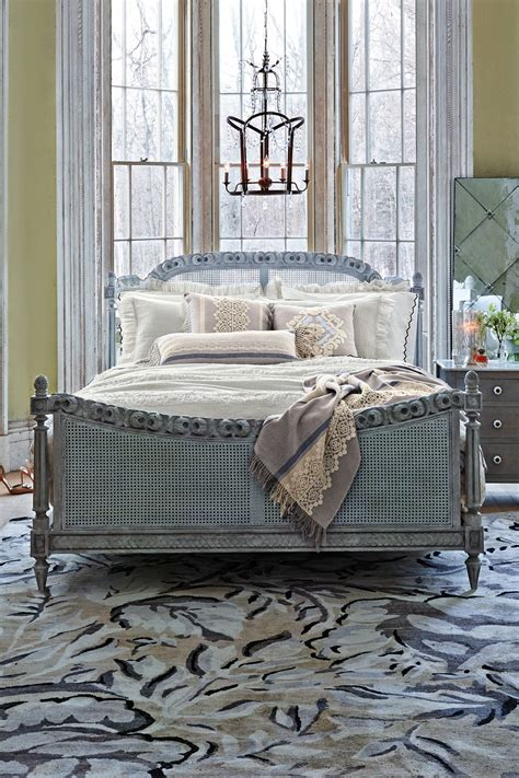 draped garland bed anthropologie