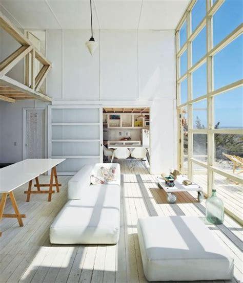 como decorar una sala de estar de doble altura