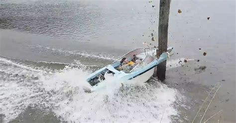 New Zealand Jet Boat Accident by Greymouth New Zealand High Speed Front On Boat Crash