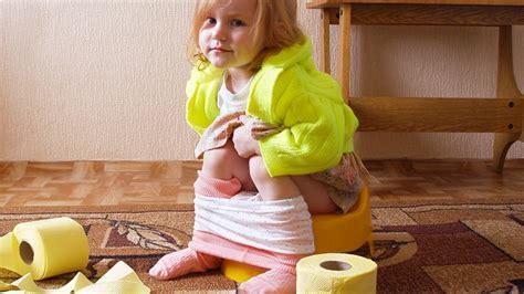 bebe qui fait pipi dans le pot pourquoi mon fils n est pas propre