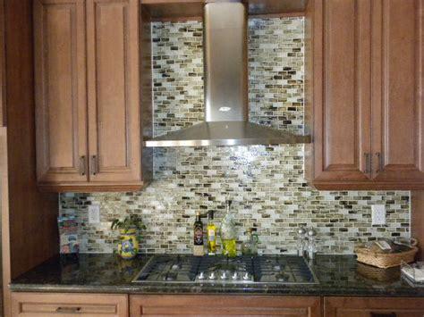 Backsplash Glass Mosaic : Glass Tile Application Pics