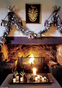 interiors christmas   clan daily mail