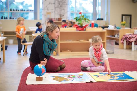 preschool kindergarten gallery leport montessori schools 499   RKU 2866 1030x687