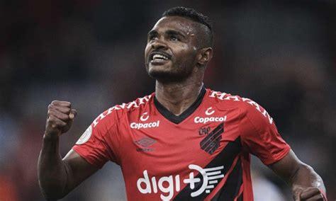 Corinthians e São Paulo negociam com atacante Nikão, do ...