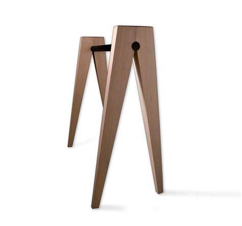 ikea pied de bureau 39 idées déco de tréteaux pour créer une table ou un bureau