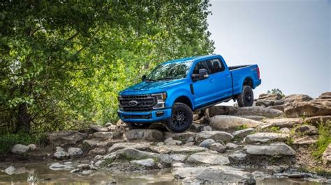 ford  series super duty debuts rock crushing tremor