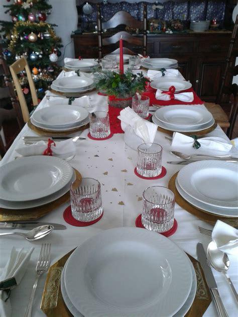 piatti e bicchieri di plastica tavola di natale tovaglia di fiandra con striscia