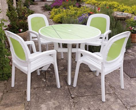 Garden Patio Table And Chairs by Cheap Garden Table And Chair Sets Plastic Garden Table