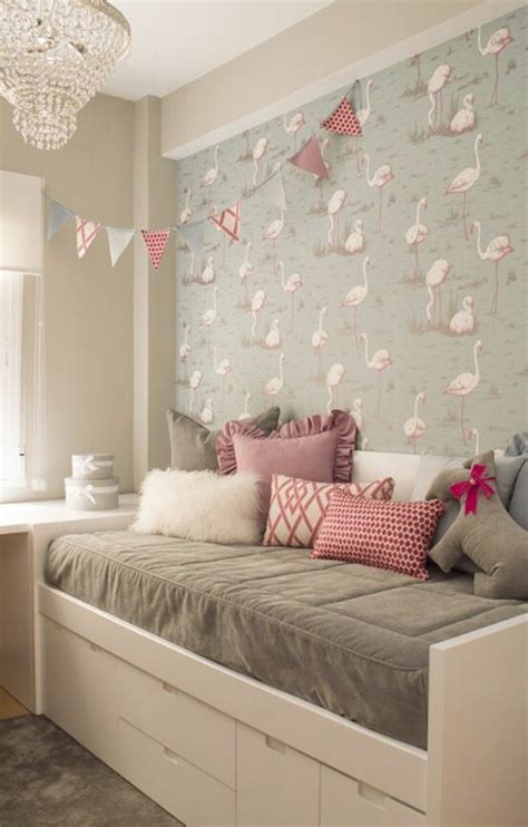 place du lit dans une chambre 1001 idées pour la déco de la chambre de 9m2 comment