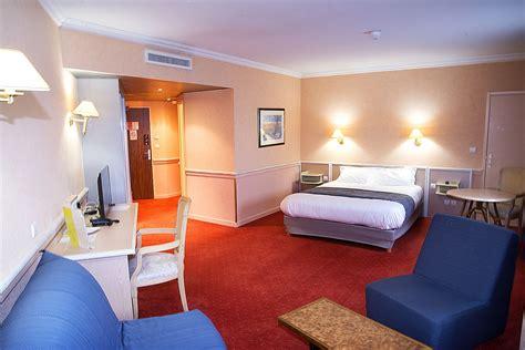 hotel chambre 4 personnes les chambres de l 39 hôtel lyon est peuvent accueillir jusqu