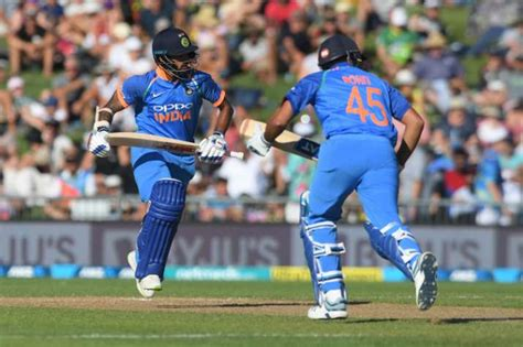 Indian cricket score service on flashscore.in offers also live commentary, ball by ball, player scorecards. Live Cricket Score, India vs New Zealand, 2nd ODI: Updates ...