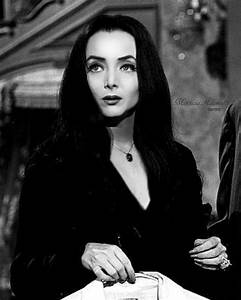 Madam Addams   Film   Pinterest   Carolyn jones, Morticia ...