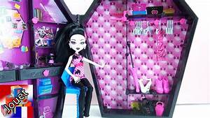 Monster High Draculaura Et Son Armoire Vtements