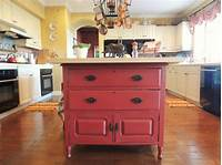 vintage kitchen island 15 Funky kitchen islands that will make you jump on the ...
