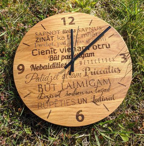 Koka pulkstenis ar gravējumu - Ģimenes likumi - KOKA ...