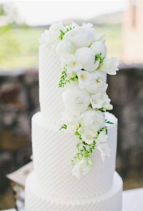 flowers for weddings 1385 best cakes images on cakes flower cakes 1385