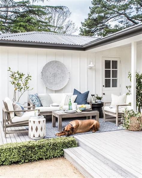 bauernhaus modern aussen cottonwood co outdoor collaboration with potterybarnaus