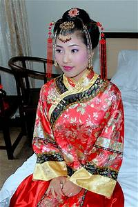 The Wedding Gallery: Traditional Chinese Wedding Dress