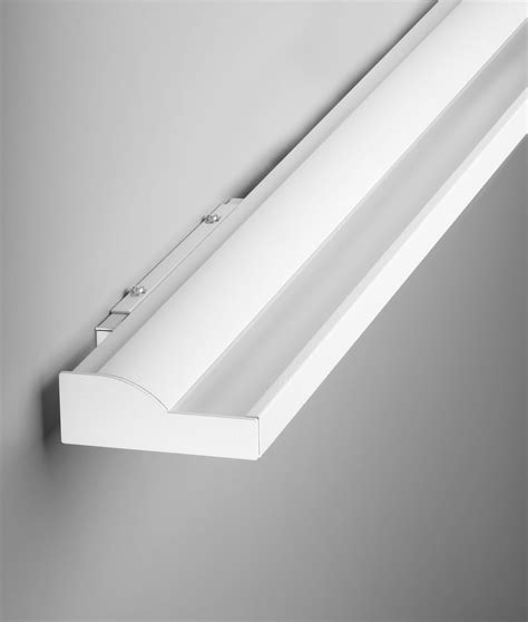 Fluorescent Bathroom Light Fixtures Wall Mount by Fluorescent Lights Wall Mounted Fluorescent Light
