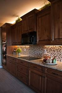Kitchen dining kitchen decoration with lights accent for Over cabinet lighting ideas