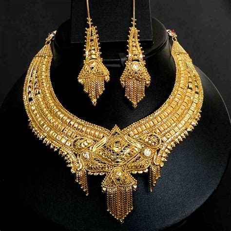 tanishq gold necklace set bridal jewelry pinterest gold necklaces gold and bangle