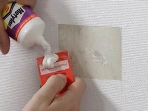 Risse In Der Wand Ausbessern : so bessern sie kleine sch den an tapeten aus bauhaus ~ Lizthompson.info Haus und Dekorationen