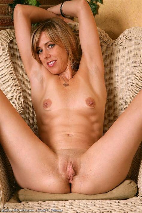 Mom Hot Naked Image