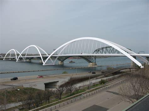 peace bridge remains  neutral    box